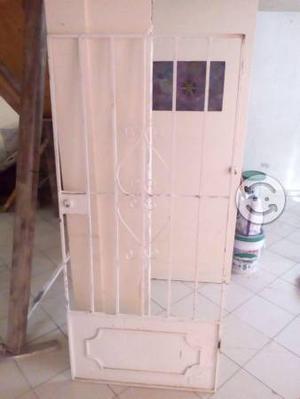 Puerta resistente