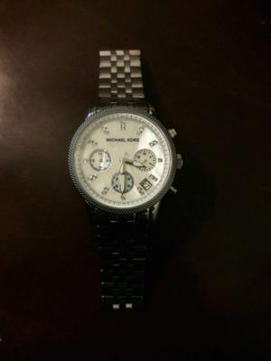 Reloj seminuevo marca Michael Kors original!