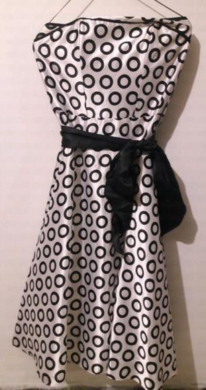 Vestido blanco con lunares negros talla 5