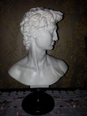 Figura en resina del David