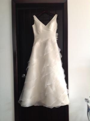 Vestido de Fiesta blanco con tono vainilla