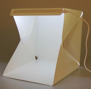 Mini Cubo Luz Led Portátil Fondo Negro Blanco Principiante