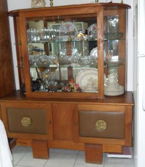Vitrina antigua en madera de caoba