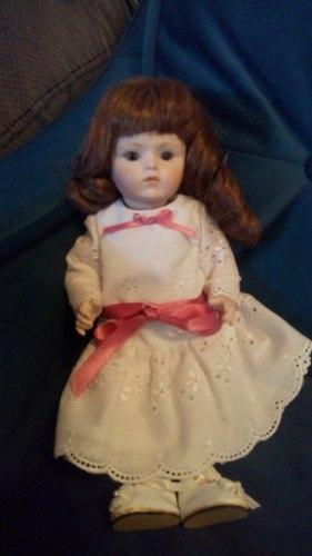 Muñeca De Porcelana 25cm