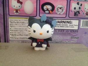 Sanrio Hello Kitty Disfrazada Monstruo De Vampiro Dracula