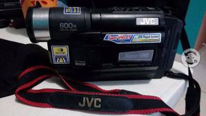 Videocamara jvc vhs negra con 2 pilas