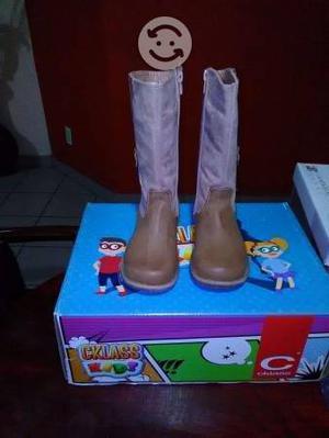 Botas nuevas para niña de cklass