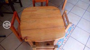 Mesitas de madera para niños