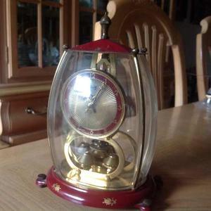 Antiguo Reloj Alemán Con Capelo Y Pendulos Marca Lshatz