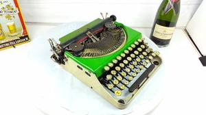Maquina De Escribir Antigua Colección Vintage