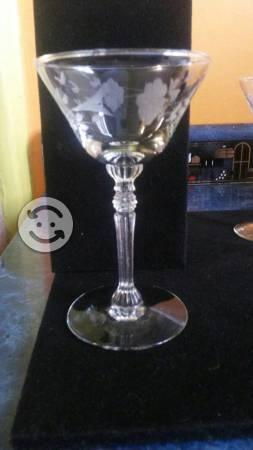 Elegante juego de copas de cristal