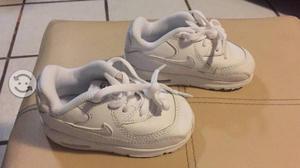 Tenis Nike Air Max Nuevos Niño o Niña Talla 12