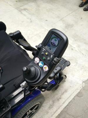 Cargador de baterias para sillas de ruedas posot class for Sillas de ruedas usadas