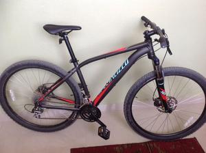 Vendo Bicicleta SPECIALIZED Semi Nueva.