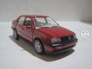 VW Vento a Escala 1:43 de la Marca Alemana Schabak