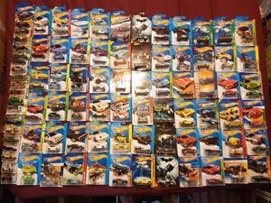 Lote de hotwheels varios modelos llantas de goma