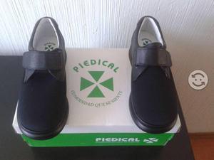 Zapatos nuevos ortopédicos talla 23.5