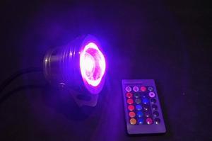 Reflector LED RGB Sumergible 10W con Control Remoto y 16