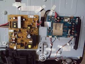 Fuente poder y partes pantalla sony KDL-32BX421