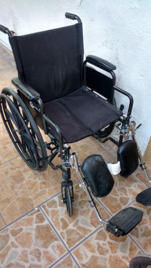 Tres sillas de ruedas usadas posot class for Sillas de ruedas usadas
