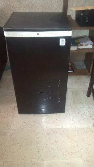 frigobar con congelador chocolate $$
