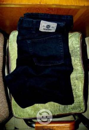 Pantalon modelo semi relax WRANGLER talla 36x32
