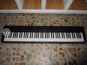 Piano electrico YAMAHA P-95 de 88 teclas