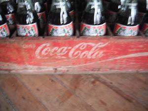 Reja De Madera De Coca Cola Con 24 Botellas Navidad