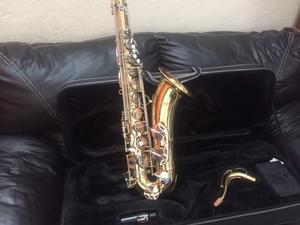 Saxofón tenor Century