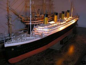 Barco Rms Titanic Escala  Cm De Largo Armable