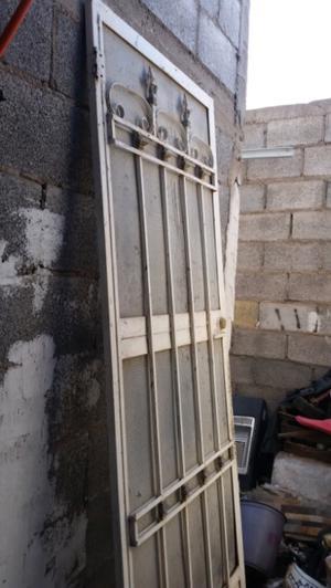 Puerta exterior mosquitera reforzada