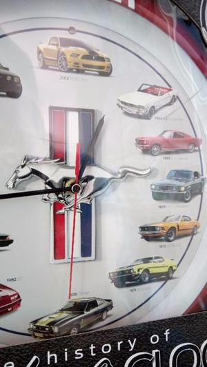Reloj de pared historia del Mustang