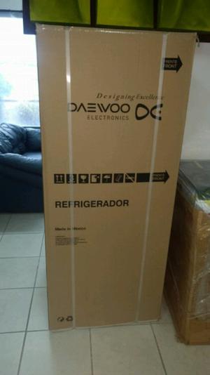 Refrigerador Daewoo Nuevo 11 pies cúbicos