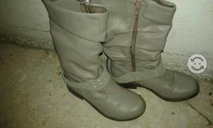 Botas de piel color gris