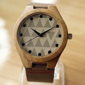 Reloj Pulsera Triángulos Unisex Bambú Madera Banda De