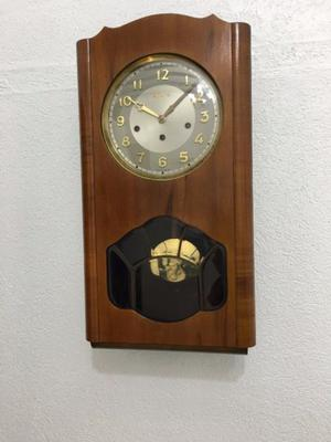 Reloj de p ndulo estilo victoriano marca polrey posot class for Reloj de pared con pendulo