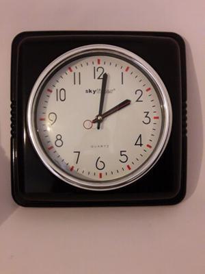 Reloj de pared retro vintage