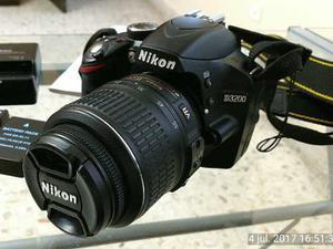 Cámara Réflex Nikon D Con 2 Lentes Y Accesorios