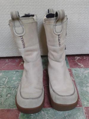Botas de gamuza beige claro, interior afelpado, talla 23