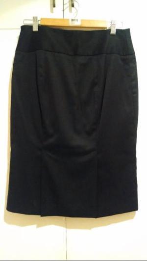"""Elegante falda en corte """"lapiz"""" de la marca Massimo Dutti"""