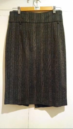 Falda con rayitas de la marca Zara