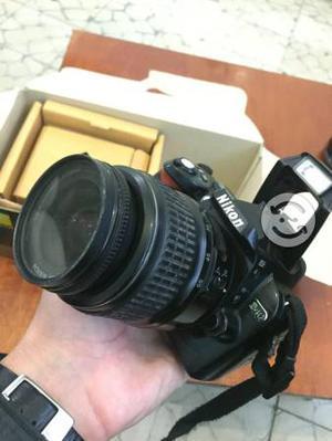Cámara Nikon d40 caja accesorios semiprofesional