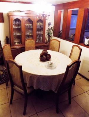 COMEDOR 8 piezas / trinchador vitrina, mesa con vidrio y