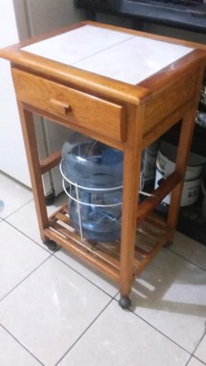 Dispensador de agua en buenas condiciones