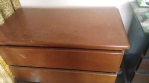 Mueble de madera cajonera