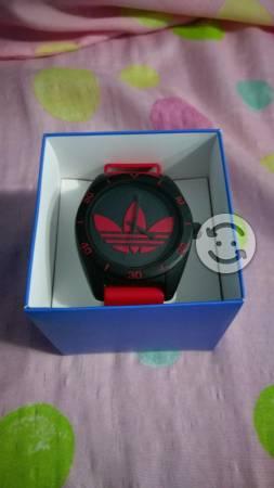 Reloj adidas original (seminuevo)