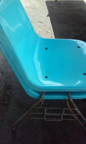 6 sillas de fibra de vidrio