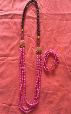 Collar largo triple hilo rosa con pulsera