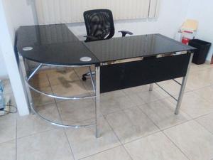 Lote de muebles de oficina usados