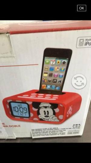 Reloj despertador y cargador de Disney, nuevo!